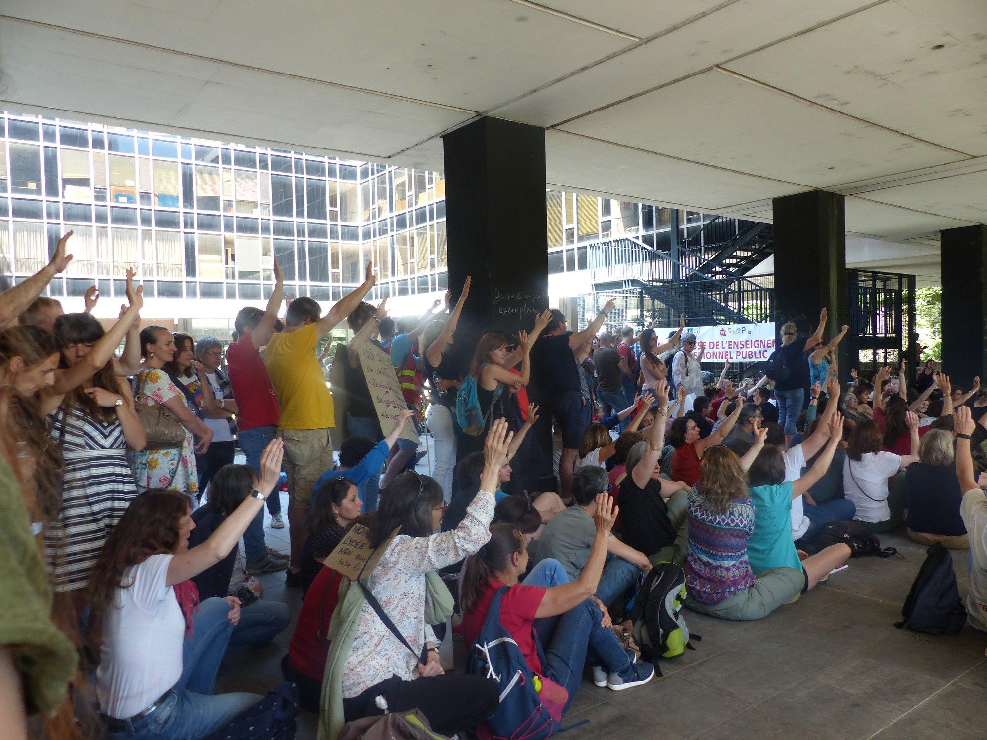 Grève de l'Éducation nationale du 17 juin : large succès en Isère et grève reconduite par l'assemblée générale des grévistes !