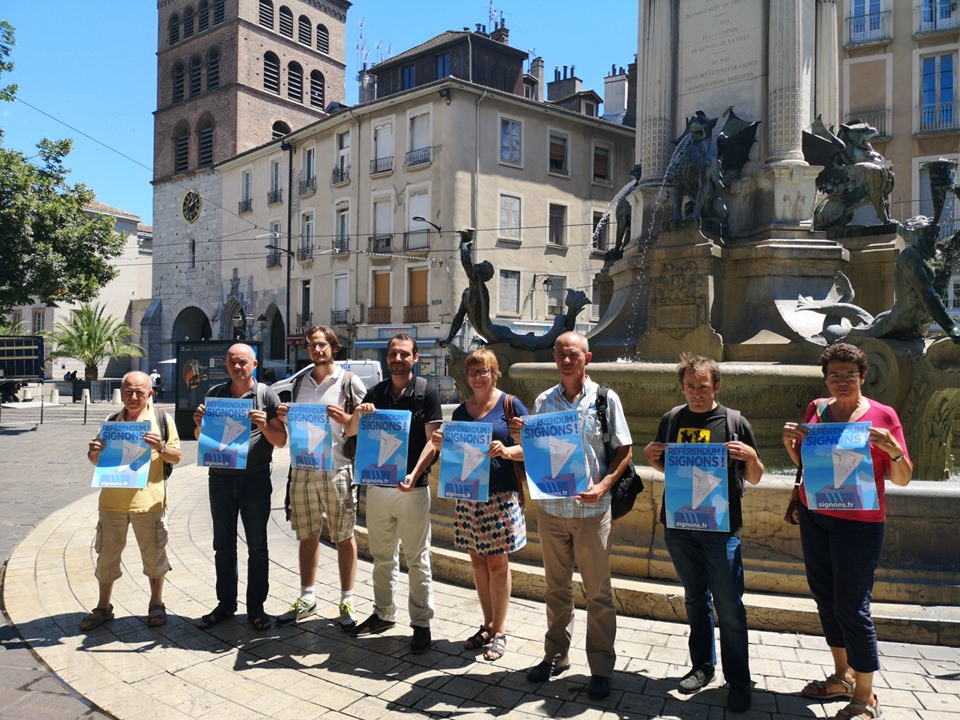 Référendum ADP : appel national, initiative iséroise et stand pendant le cabaret frappé à Grenoble du 15 au 20 juillet !